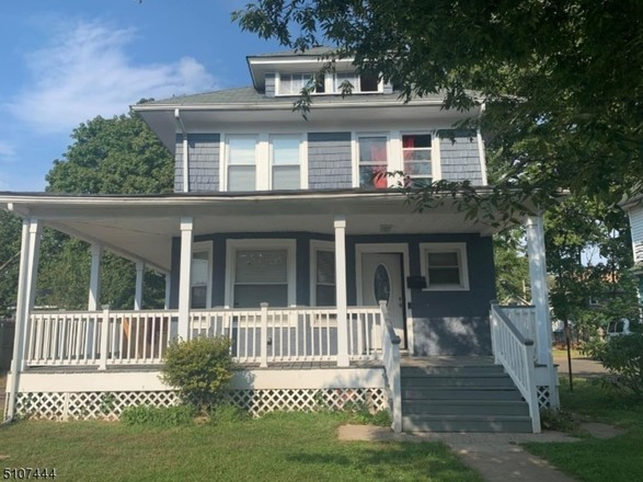 Updated 4-Bedroom House In Plainfield