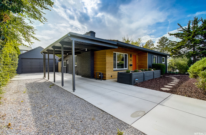 Refinished 4-Bedroom House In Millcreek