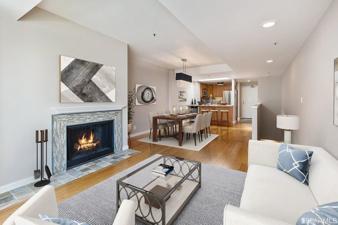 Upscale 2-Bedroom Townhouse In Cathedral Hill