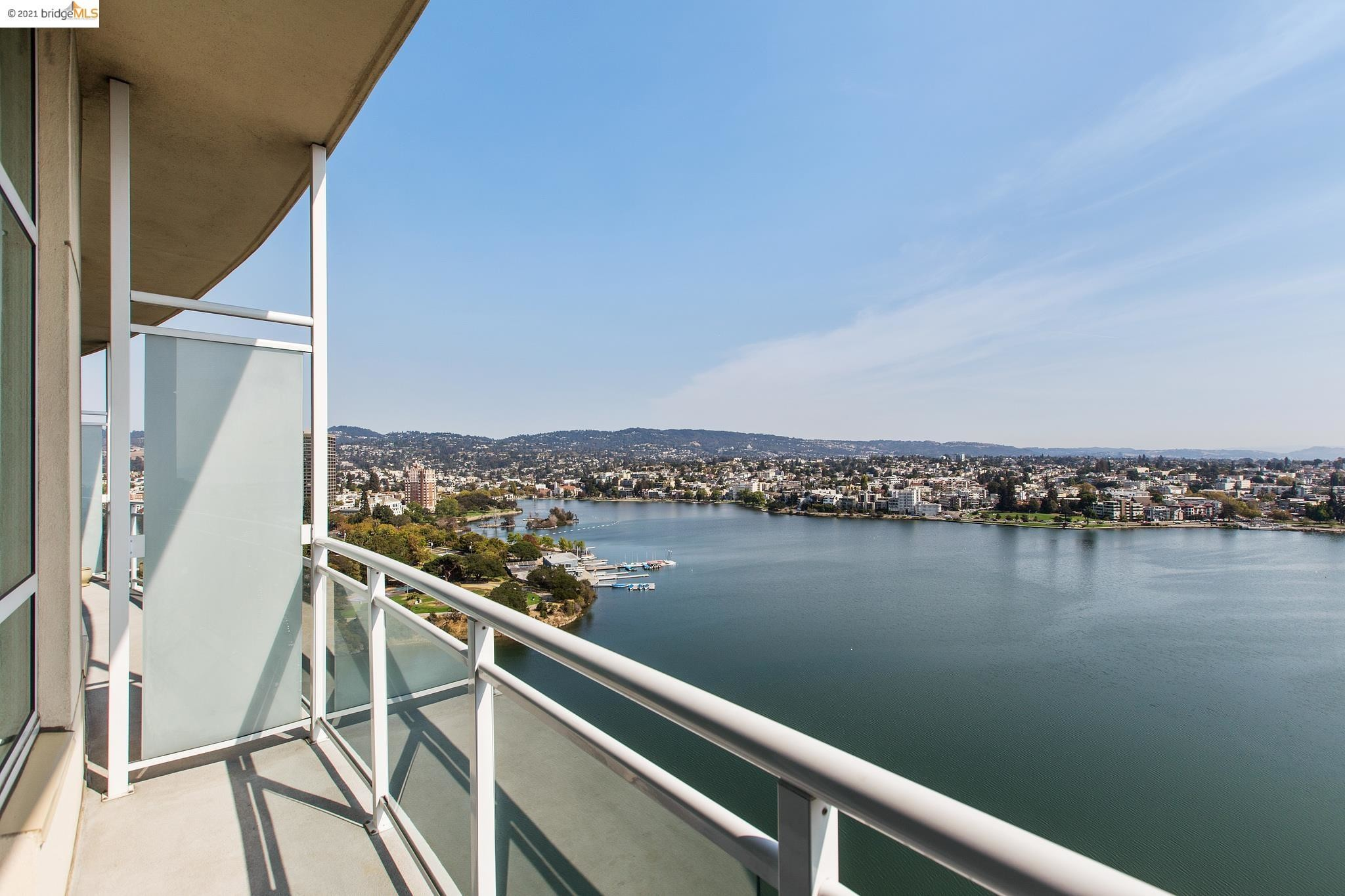 Upgraded 2-Bedroom Condo In Downtown Oakland