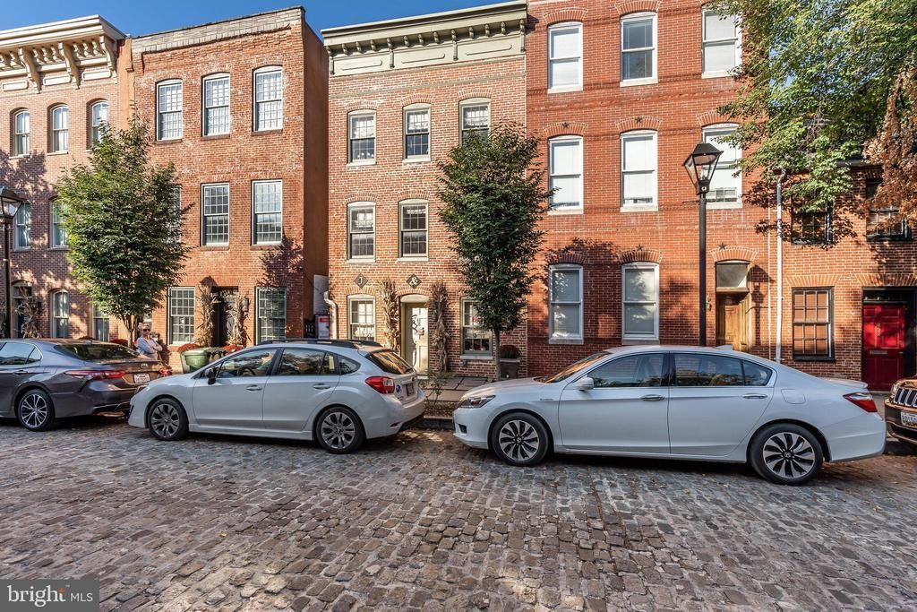 2-Bedroom Townhouse In Fells Point