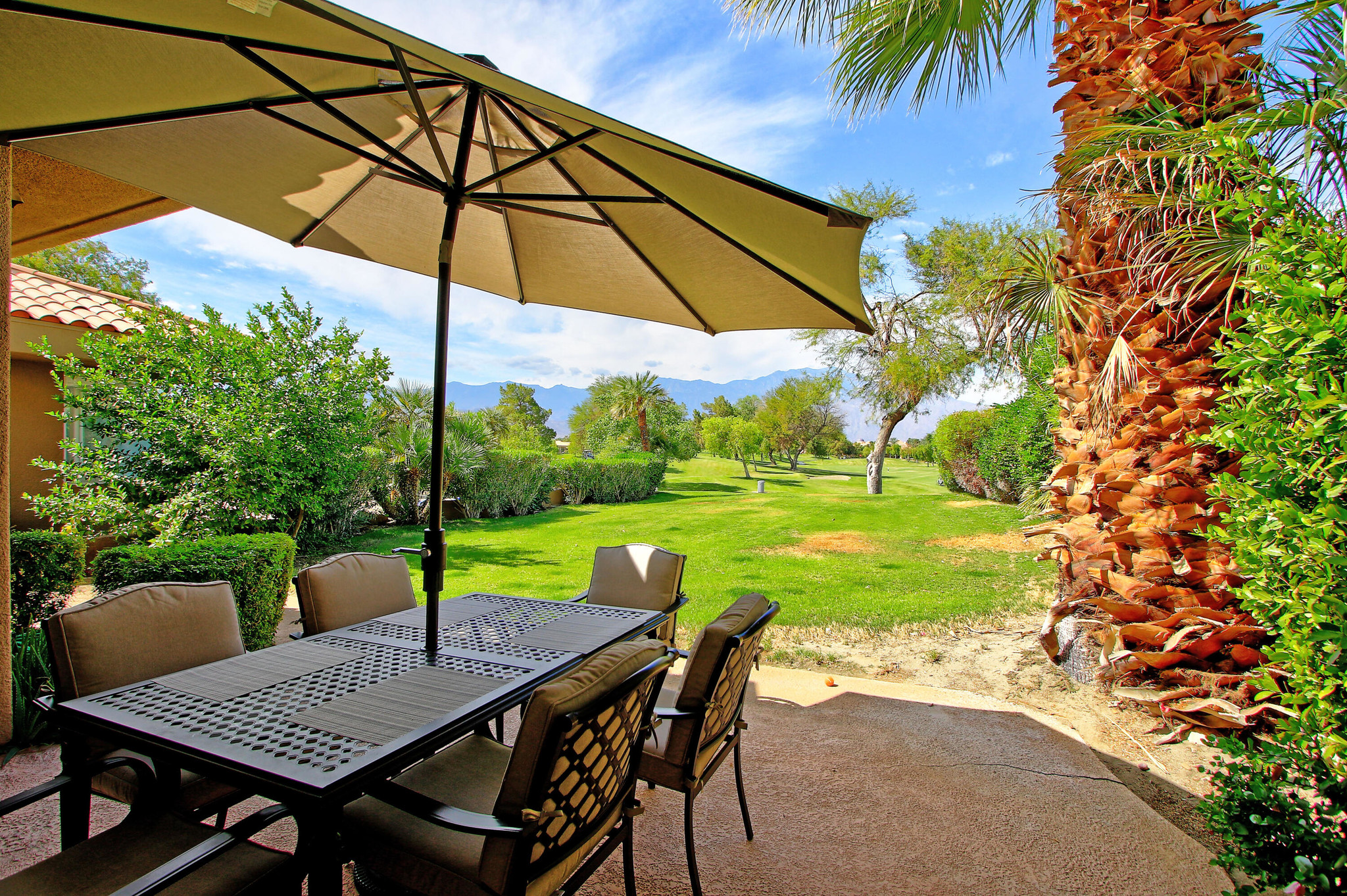 Updated 4-Bedroom House In Mission Hills Country Club