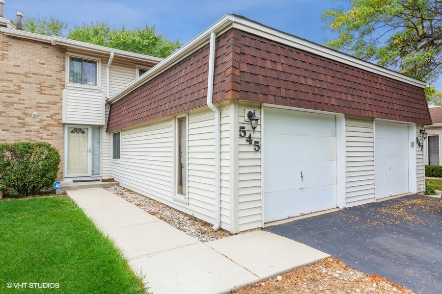 Townhouse In Bolingbrook Townhomes