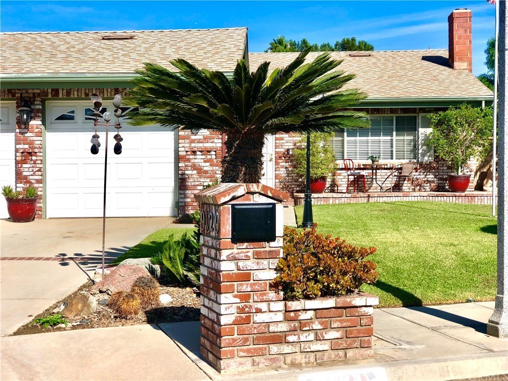 Upgraded 3-Bedroom House In Arlington South