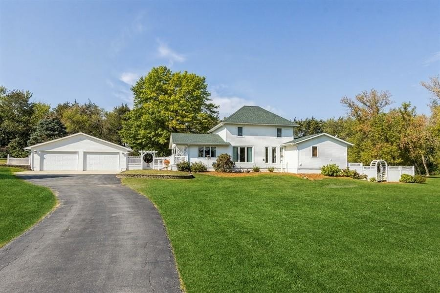 Chic 4-Bedroom House In Rowley
