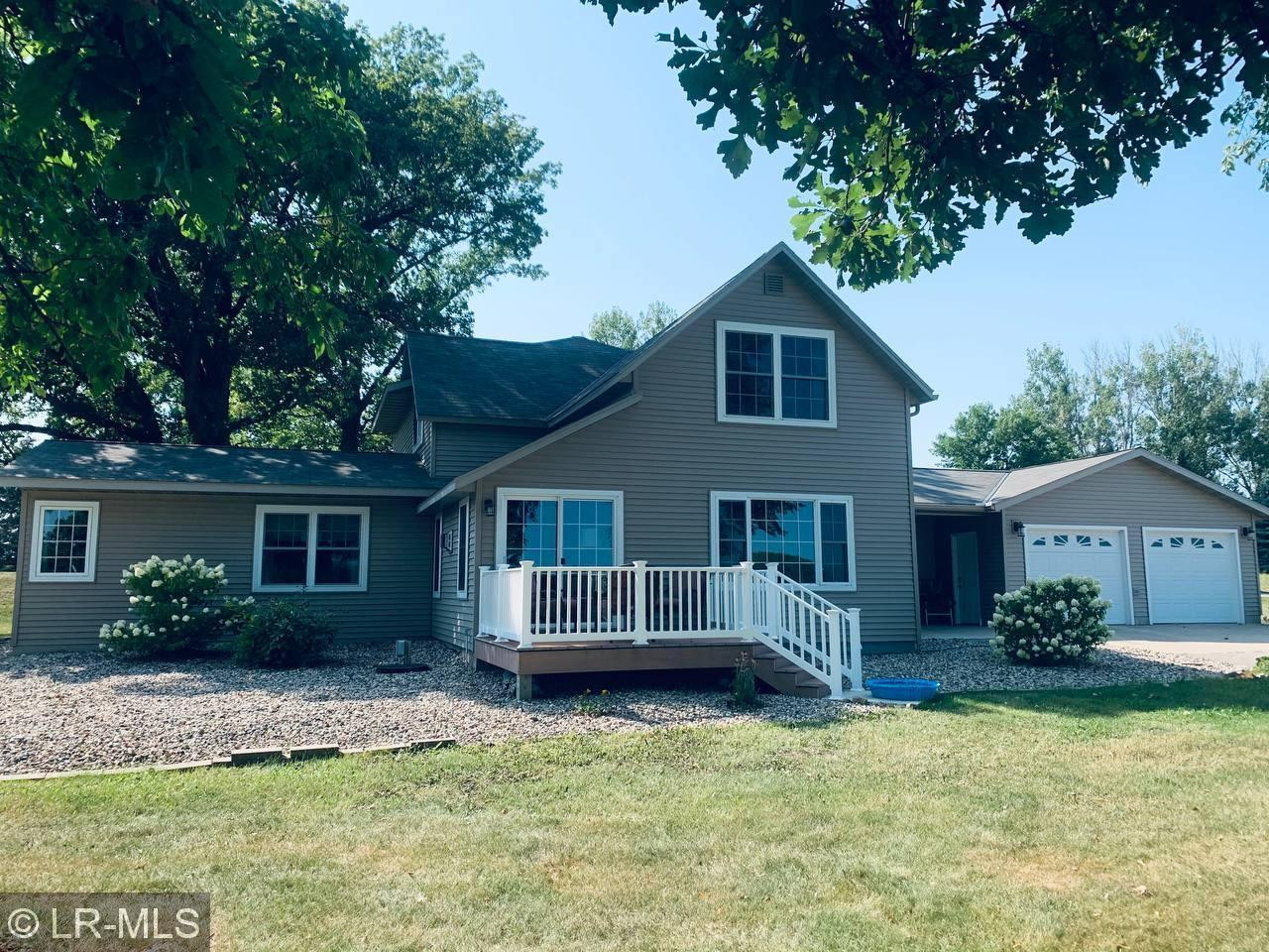 2-Story House In Eagle Bend