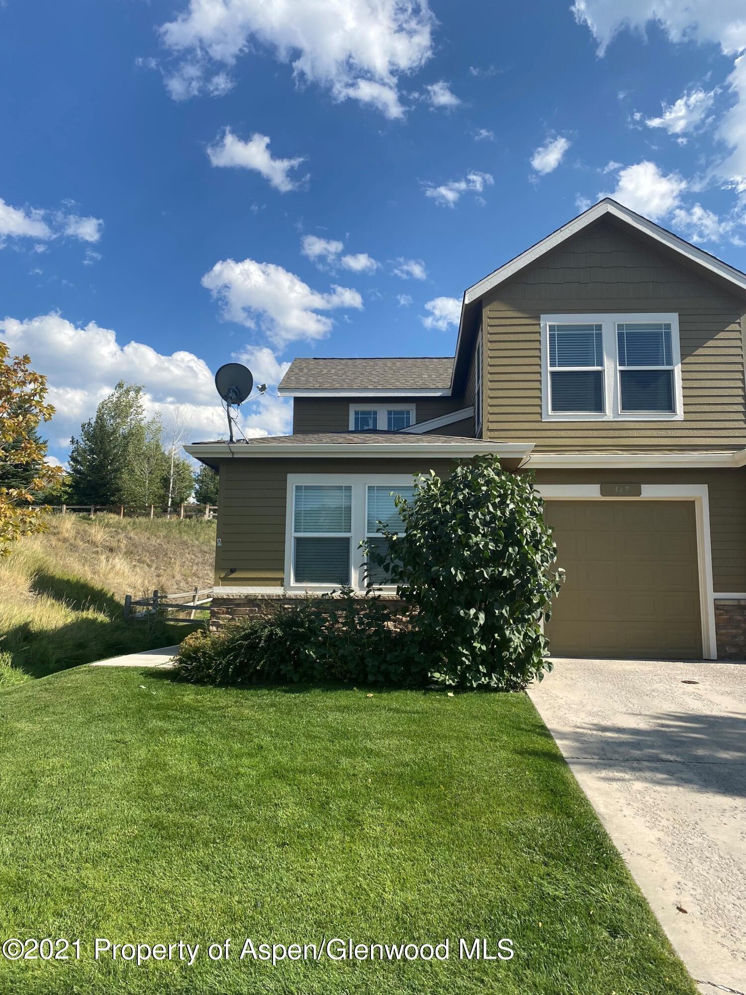 Multi-Family Home In Castle Valley Ranch