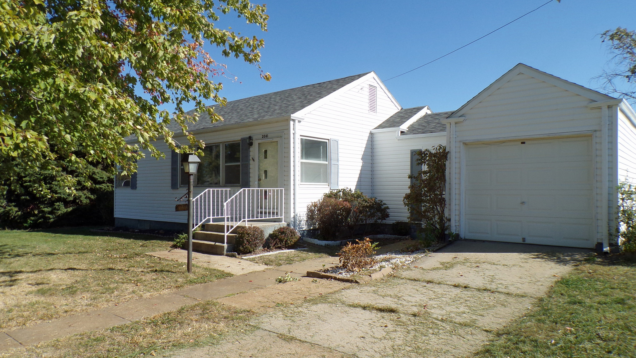Remodeled 2-Bedroom House In Columbus