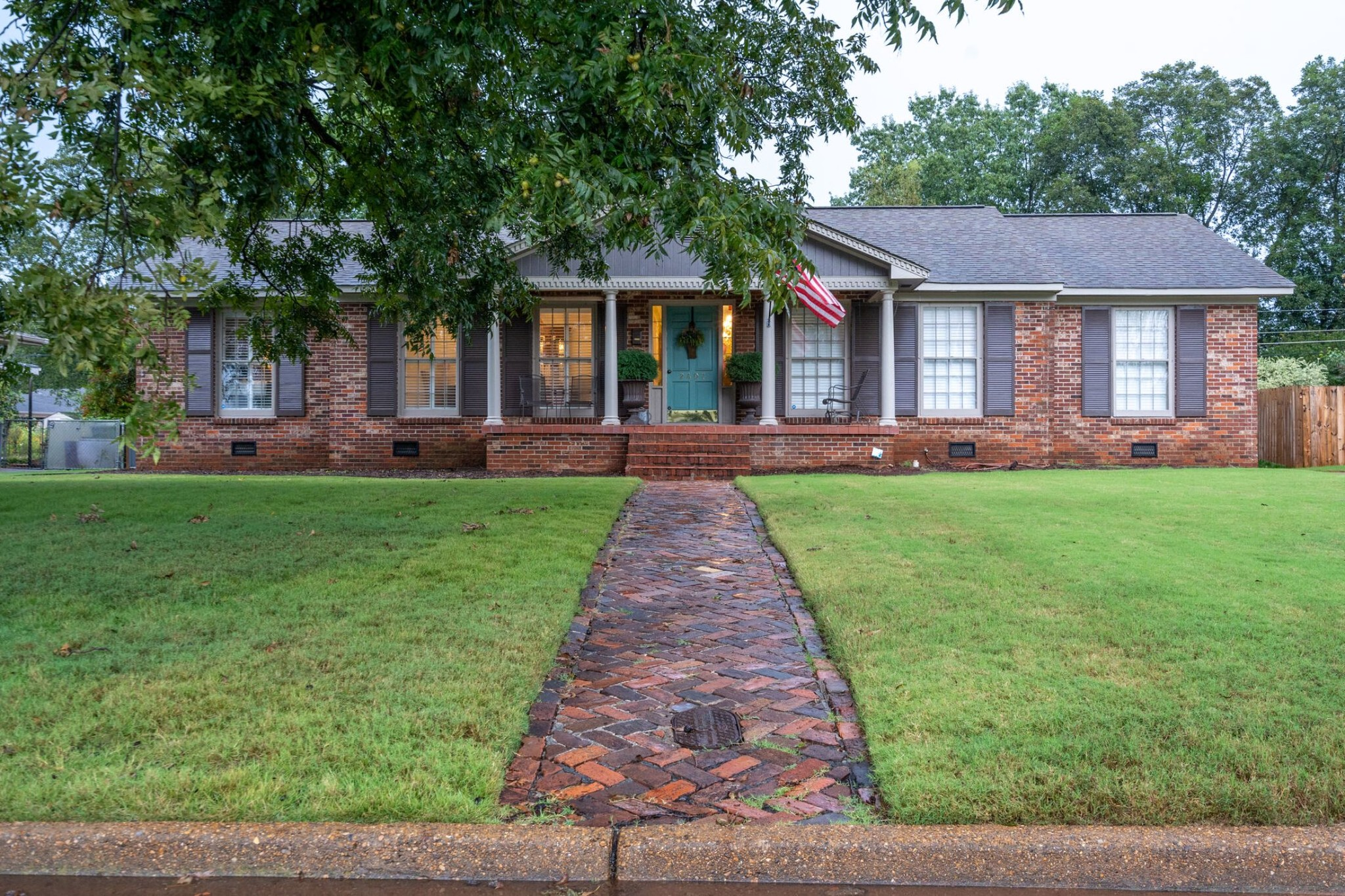Renovated 3-Bedroom House In Dilworth Estates