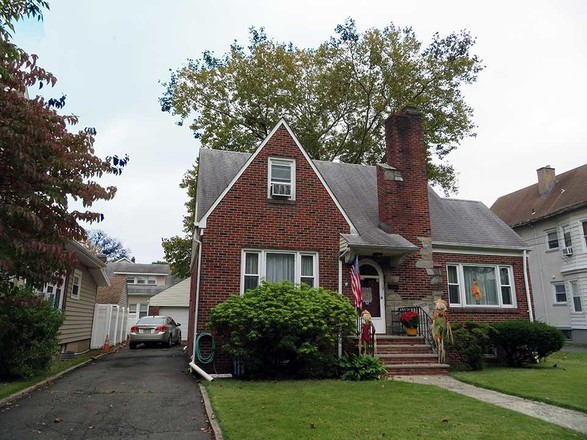 2-Story House In Rahway