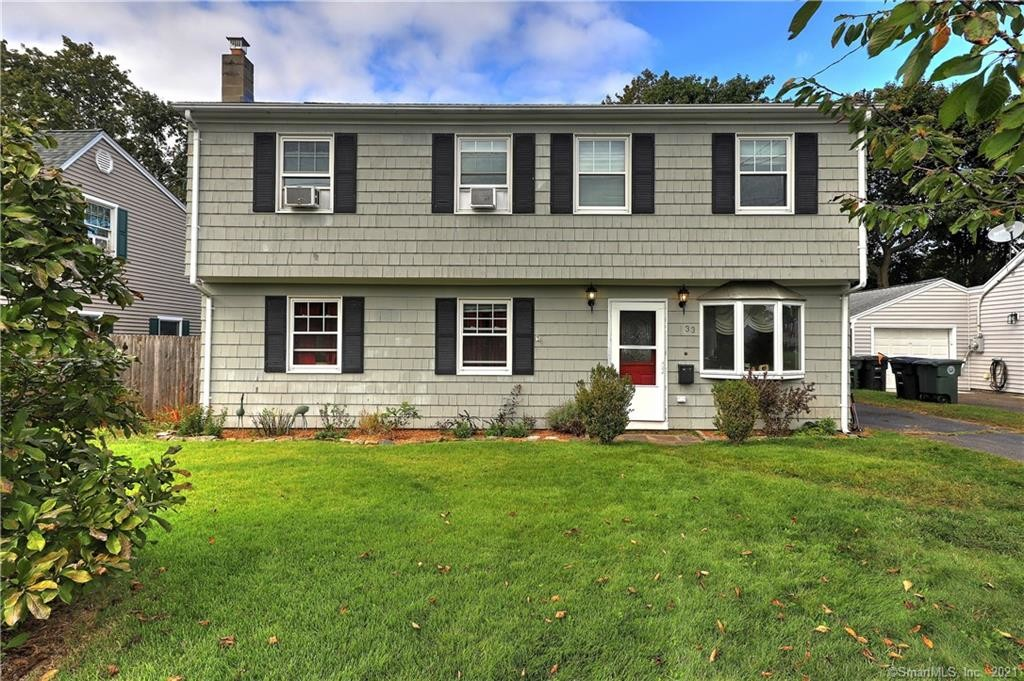 Renovated 4-Bedroom House In Woodmont