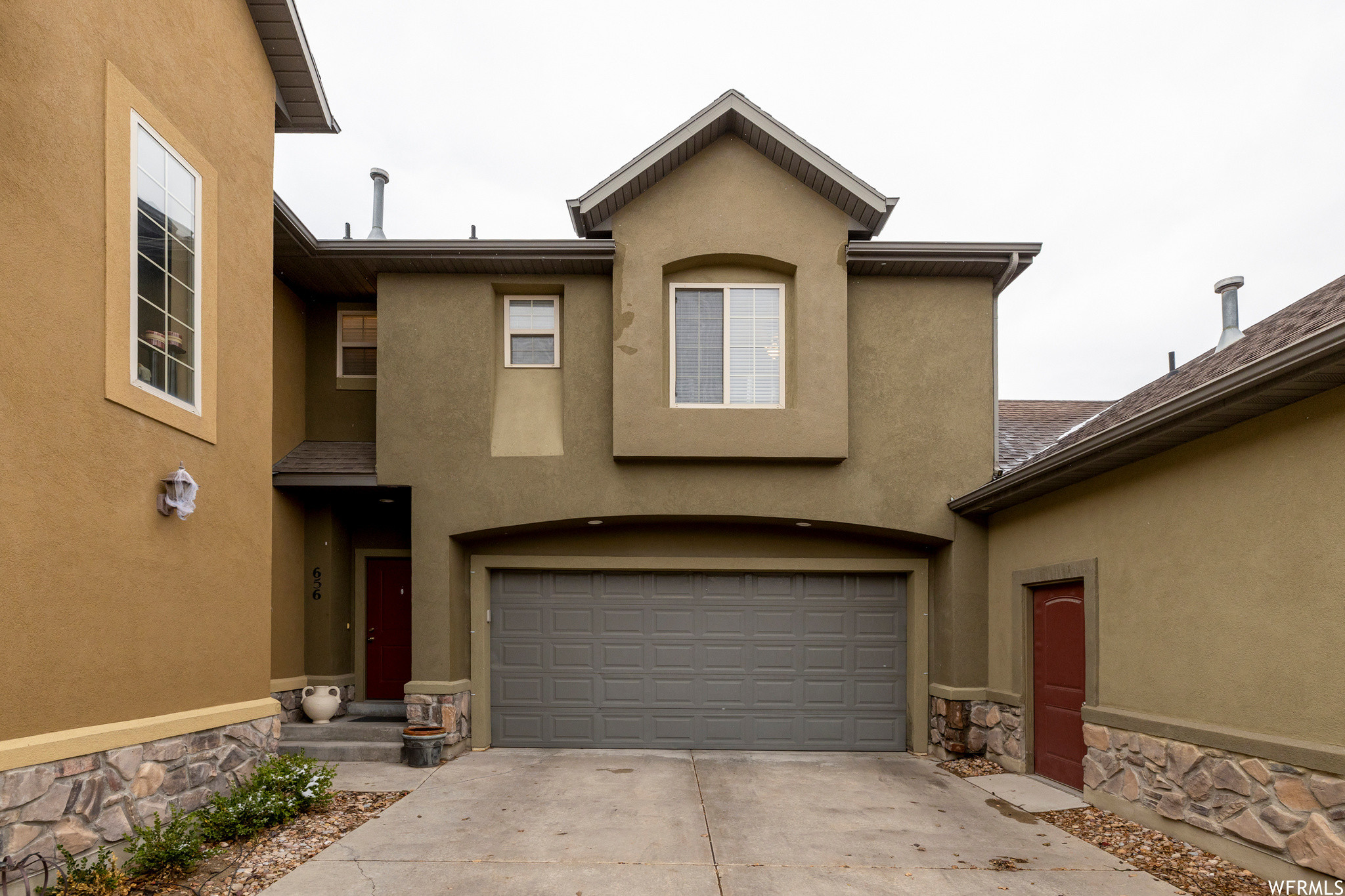 3-Story Townhouse In Eastridge