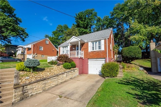 Updated 3-Bedroom House In Whitehall