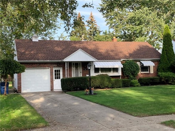 Updated 3-Bedroom House In Amherst