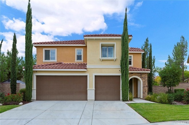 Upgraded 4-Bedroom House In Canyon Hills