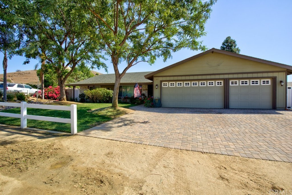 Upgraded 5-Bedroom House In Norco