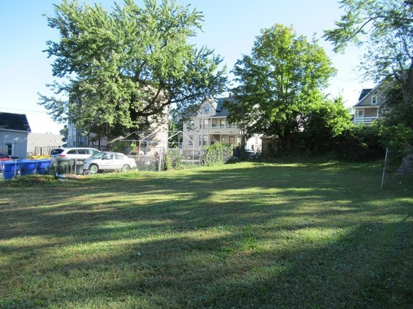 Lot In Forest Park