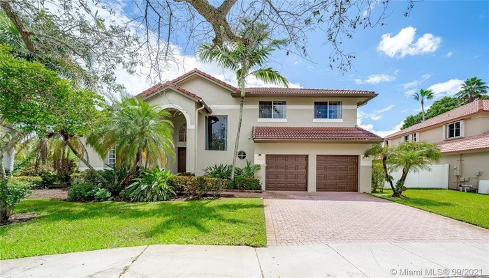 Upgraded 4-Bedroom House In Silver Lakes