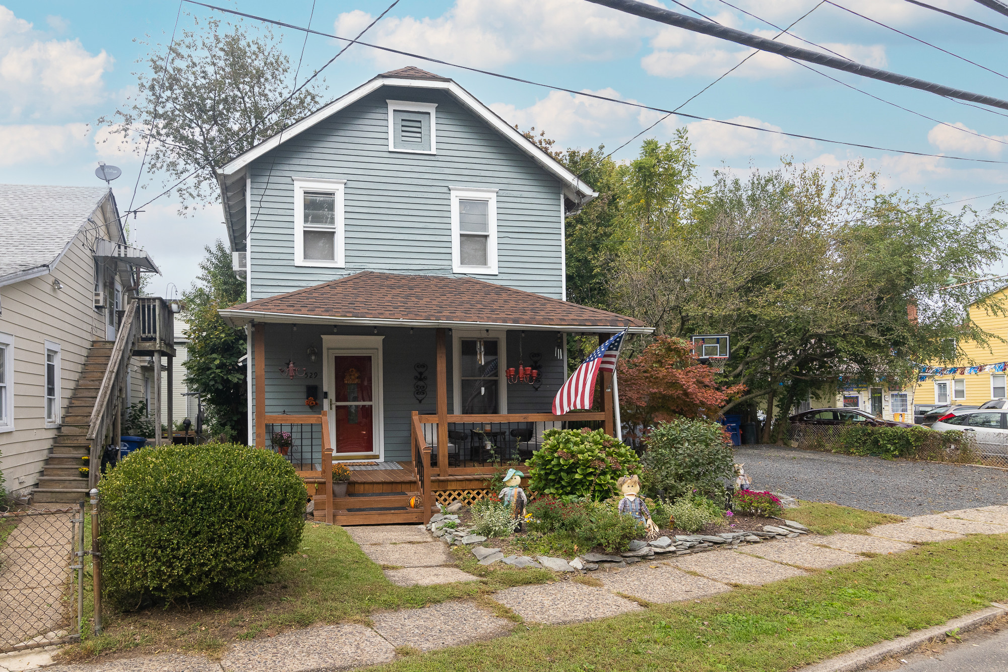 Updated 2-Bedroom House In Beverly