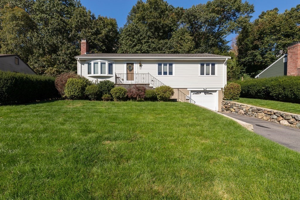 Renovated 3-Bedroom House In North Waltham