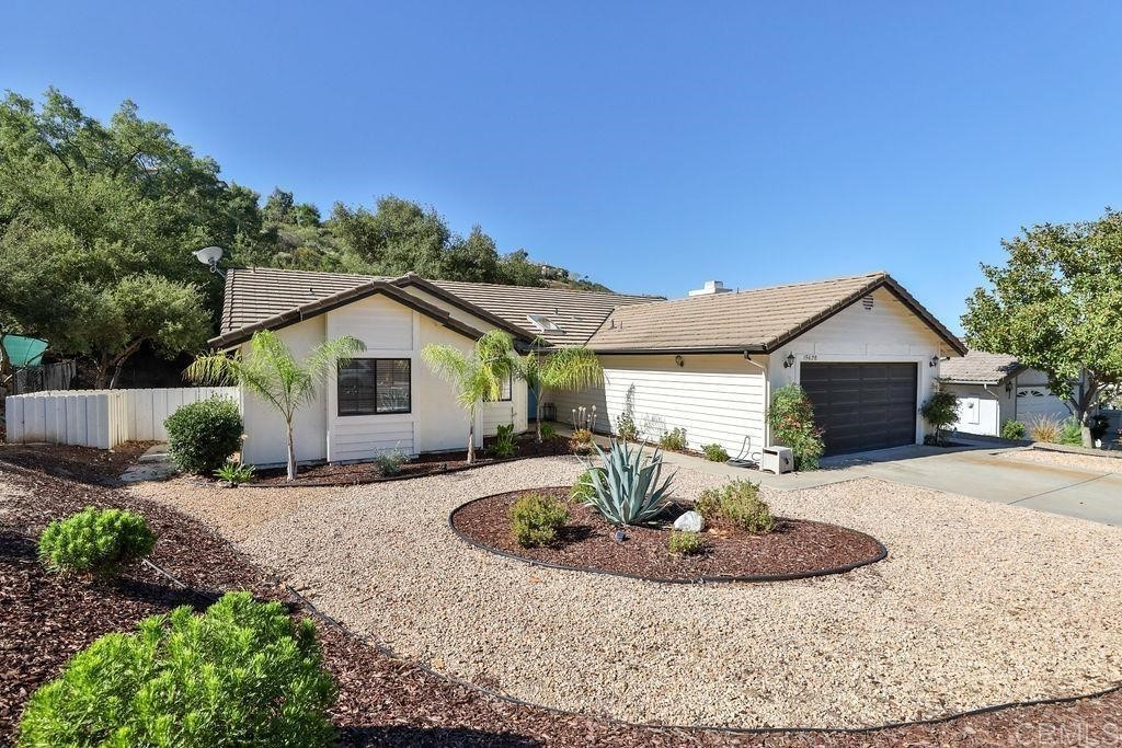 Renovated 3-Bedroom House In San Diego Country Estates