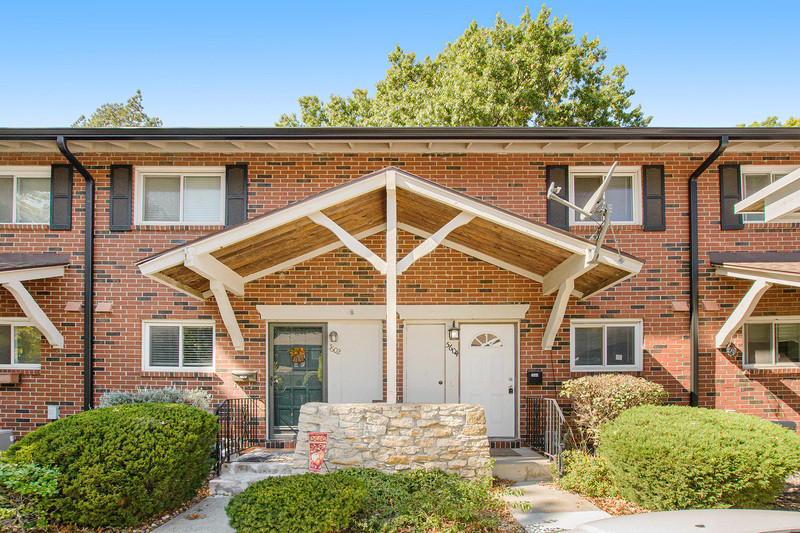 Updated 2-Bedroom House In Nall Hills