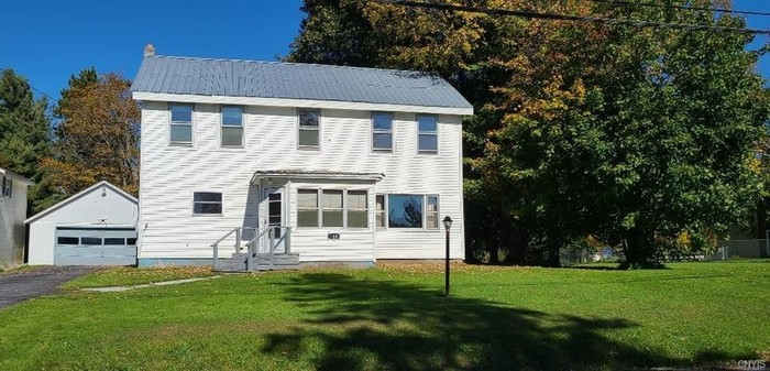 Stately 3-Bedroom House In Fairfield