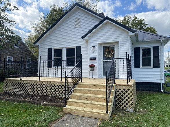 Remodeled 2-Bedroom House In Maplewood