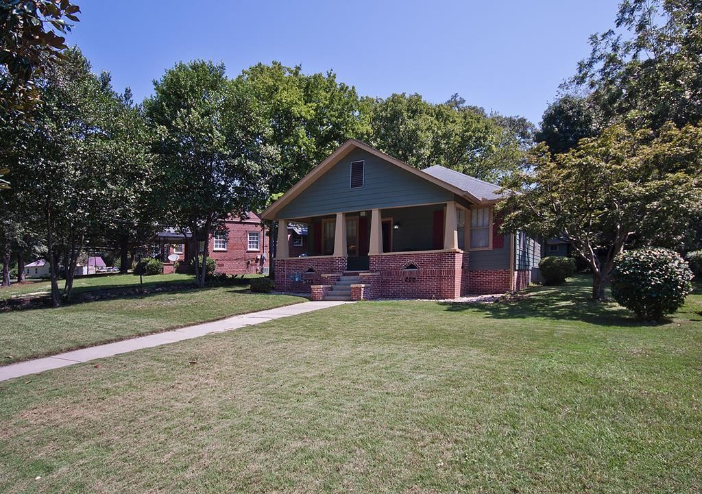 Renovated 3-Bedroom House In Rose Hill Heights