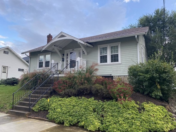 Updated 2-Bedroom House In Pythian Heights