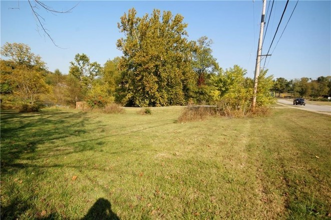 Lot In Cave Springs