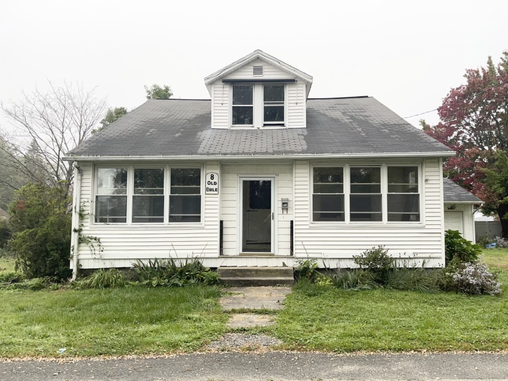 Remodeled 3-Bedroom House In North Chicopee