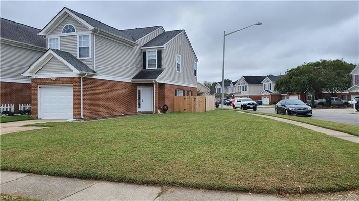 Renovated 3-Bedroom Townhouse In Foxfire