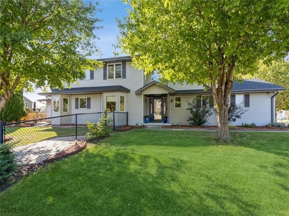 4-Bedroom House In Shawver Meadows