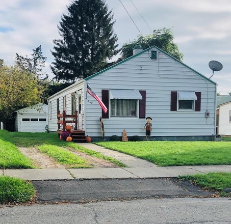 House In North East Elmira
