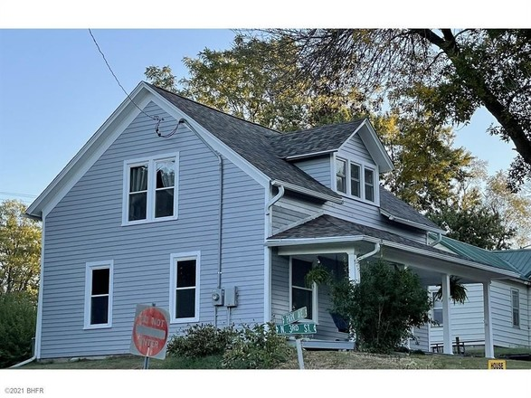 Renovated 2-Bedroom House In Guthrie Center