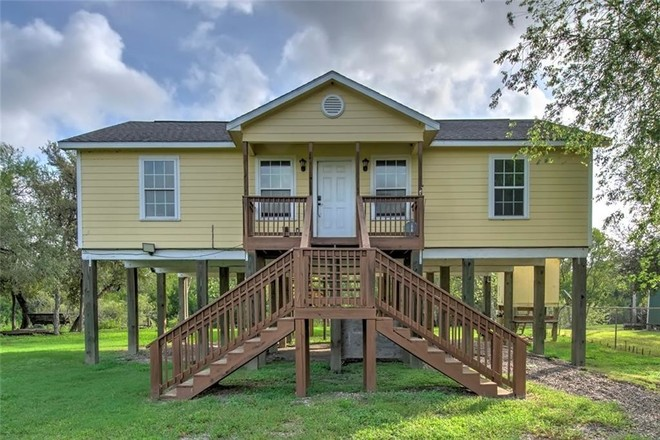 1-Story House In Robstown