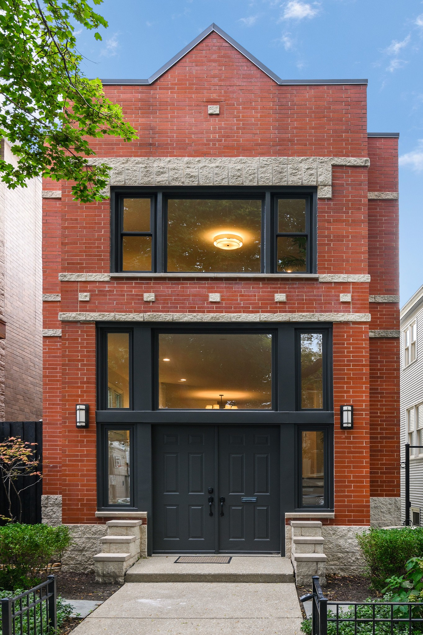Chic 4-Bedroom House In Lincoln Park