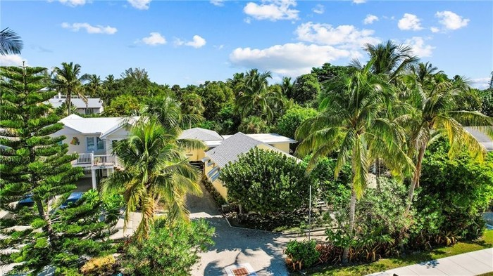 3-Bedroom House In Fort Myers Beach