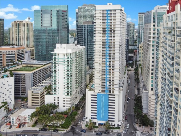 Updated 3-Bedroom Penthouse In Brickell