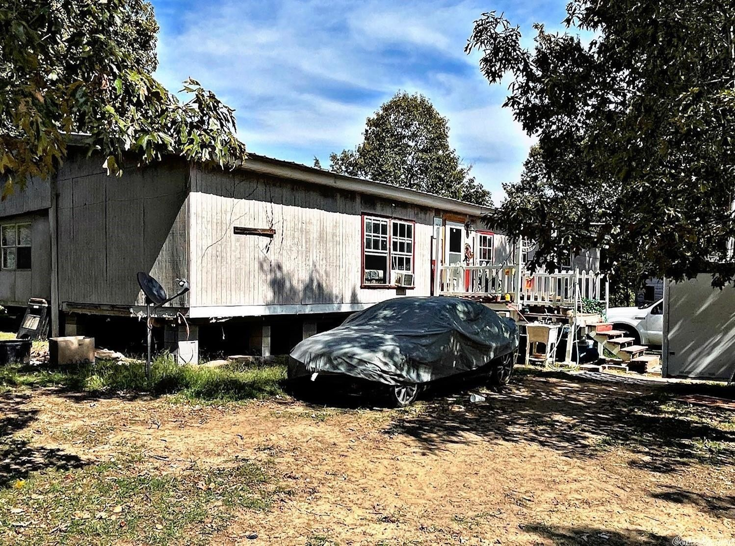 4-Bedroom Mobile Home In Romance