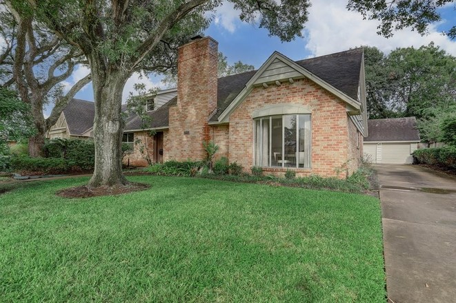 House In Meyerland Area