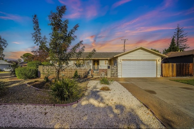 Updated 3-Bedroom House In Rancho Cordova