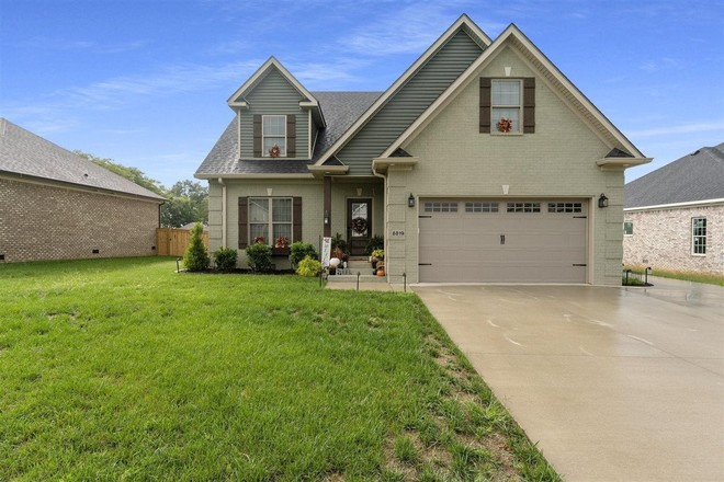4-Bedroom House In Bowling Green
