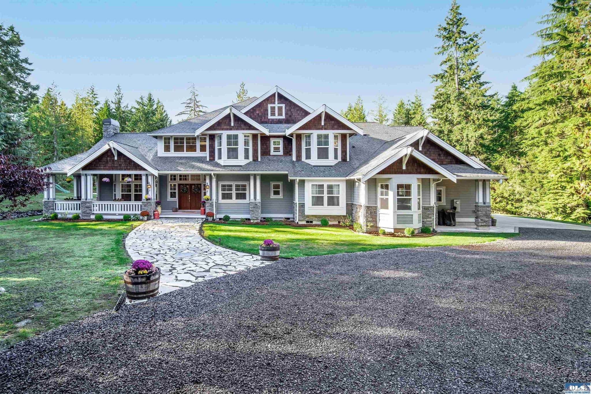 Luxurious 5-Bedroom House In Port Angeles