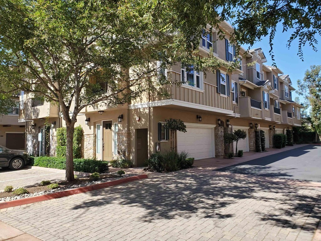 Upgraded 3-Bedroom House In Questhaven La Costa Meadows