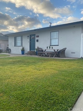 Remodeled 3-Bedroom House In Plaza West