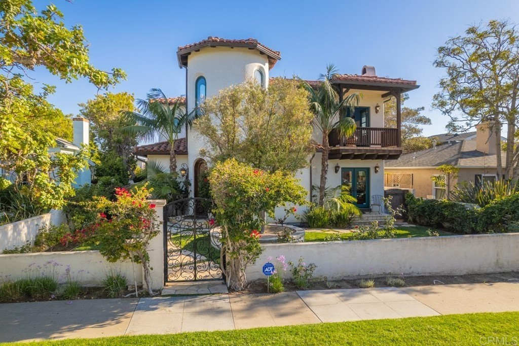 House In Pacific Beach