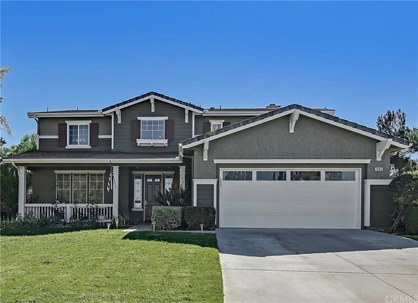 Remodeled 5-Bedroom House In Central Simi Valley