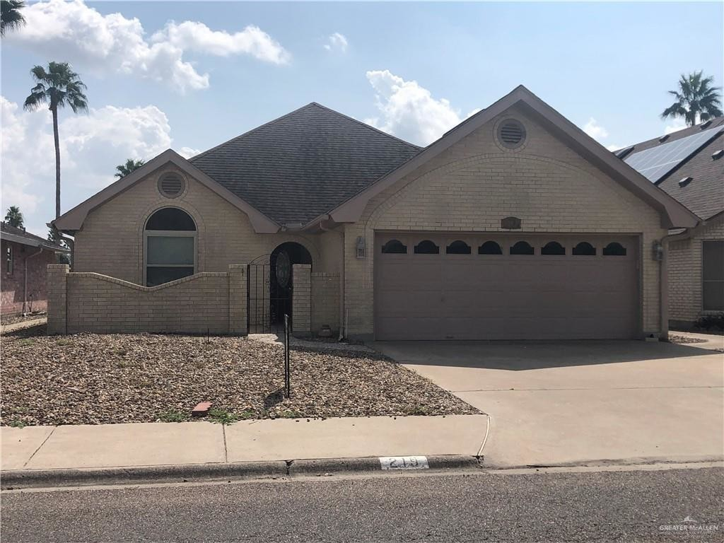 3-Bedroom House In Alamo Country Club